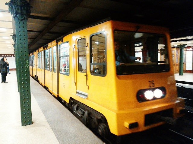 GERBEAUD_地下鉄_ハンガリー_ブダペスト