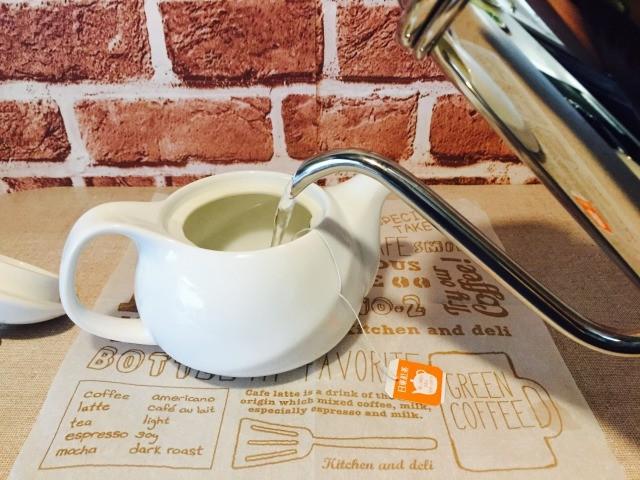 カフェインレスルイボスコーヒー_ルイボスティーを作る