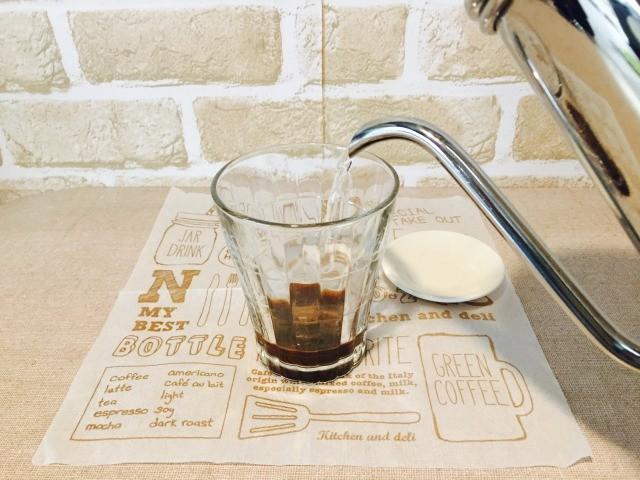 グラスでコーヒーを作る