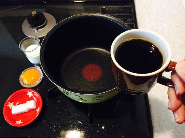 全ての材料を鍋に入れる