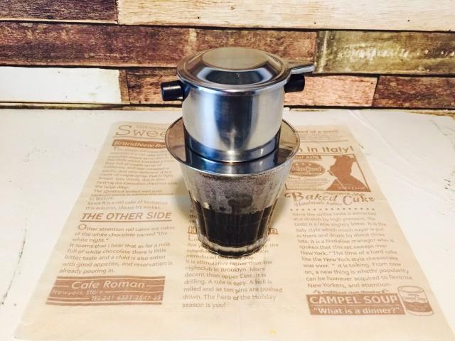 ベトナムエッグコーヒー_残りの湯を入れ抽出