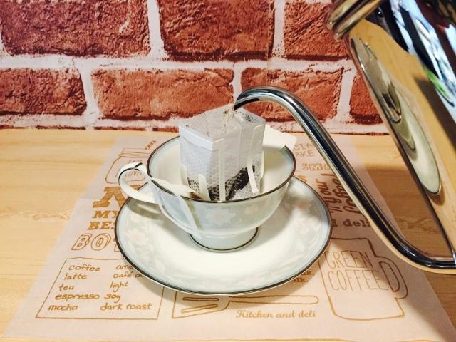 スパイシーフォームドミルクコーヒー_コーヒーを淹れる