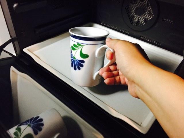 フォームドカルーアミルクコーヒー_カルーアミルクを温める
