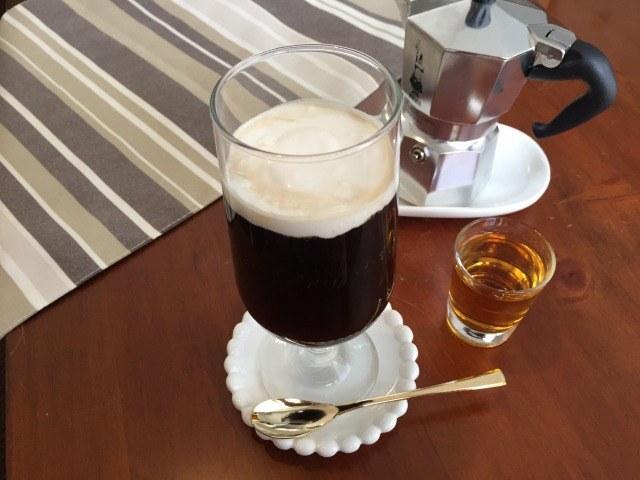 アイリッシュコーヒーの飲み方【世界のコーヒー:アイルランド】