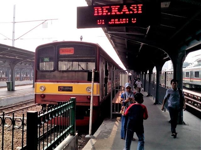 Bakoel 電車