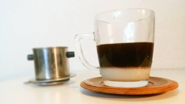 ベトナムコーヒー_カフェ・スア_④