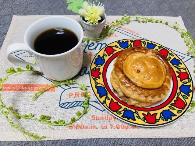 コーヒーとミートパイ