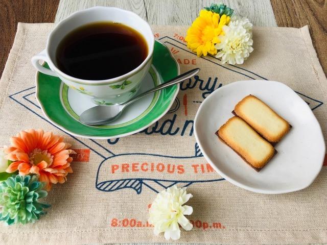 コーヒーとラングドシャ