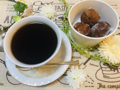 コーヒーとドーナツ 480x360