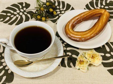 コーヒーとチュロス 480x360
