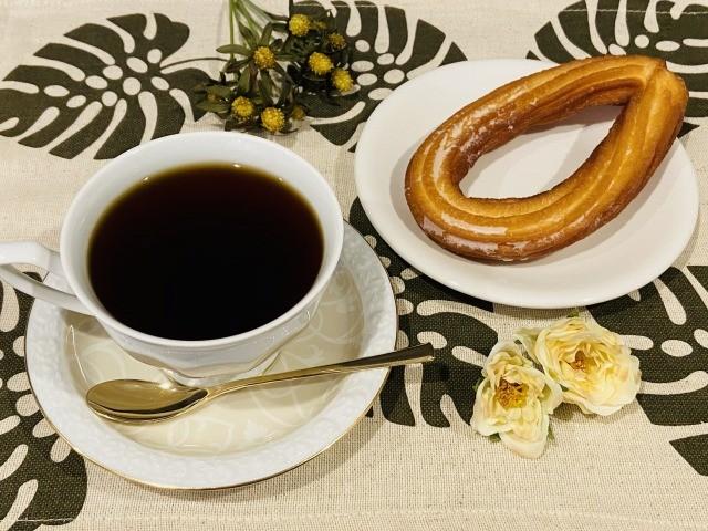 コーヒーとチュロス
