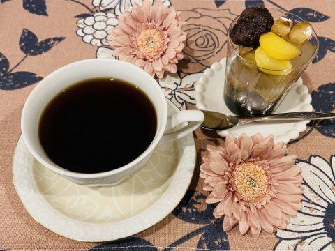 コーヒーとあんみつ 480x360