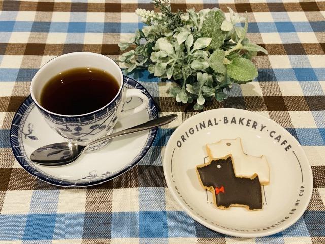 コーヒーとアイシングクッキー