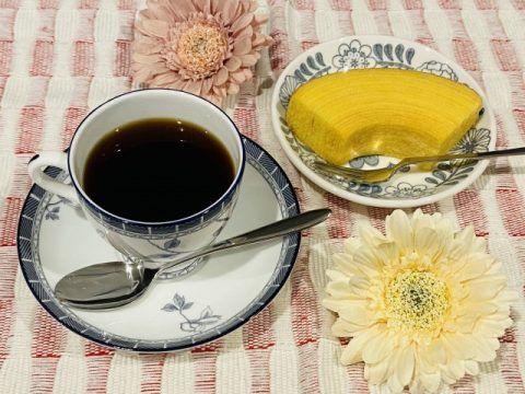 コーヒーとバウムクーヘン 480x360