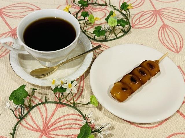 コーヒーと団子