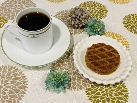 コーヒーとガレット 480x360