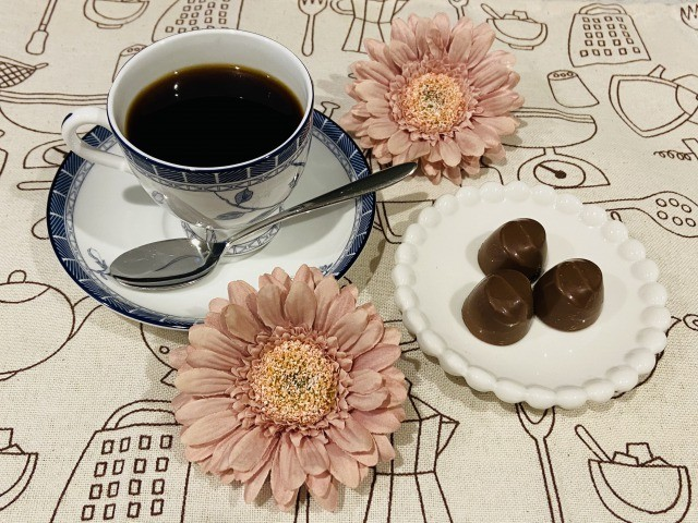 コーヒーとスイートチョコレート