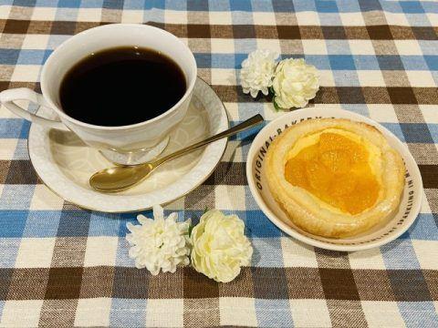 コーヒーとプチパイ 480x360